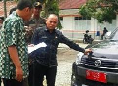 Waw.! Periksa Mobil Dinas,Plt Bupati Labuhanbatu,H.Andi Suhaimi Temukan 8 Unit Didistribusikan Tidak Tepat Sasaran