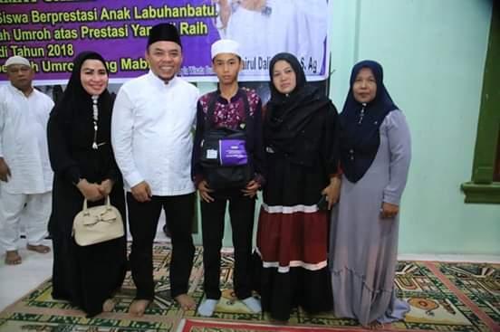 Plt Bupati Labuhanbatu H Andi Lepas Keberangkatan 15 Anak Berprestasi Ibadah Umroh