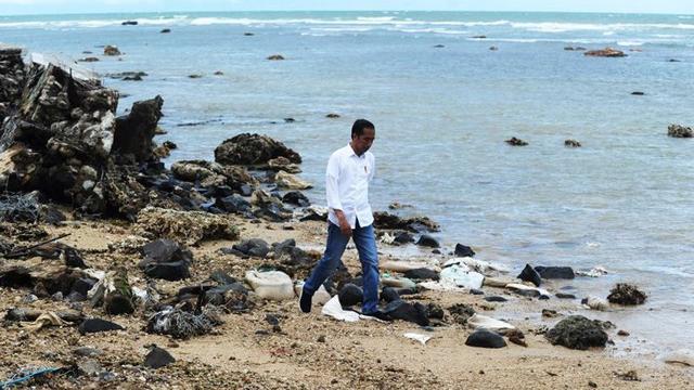 Jokowi Disebut Tak Mencerimkan Sosok Presiden Saat Tinjau Dampak Tsunami