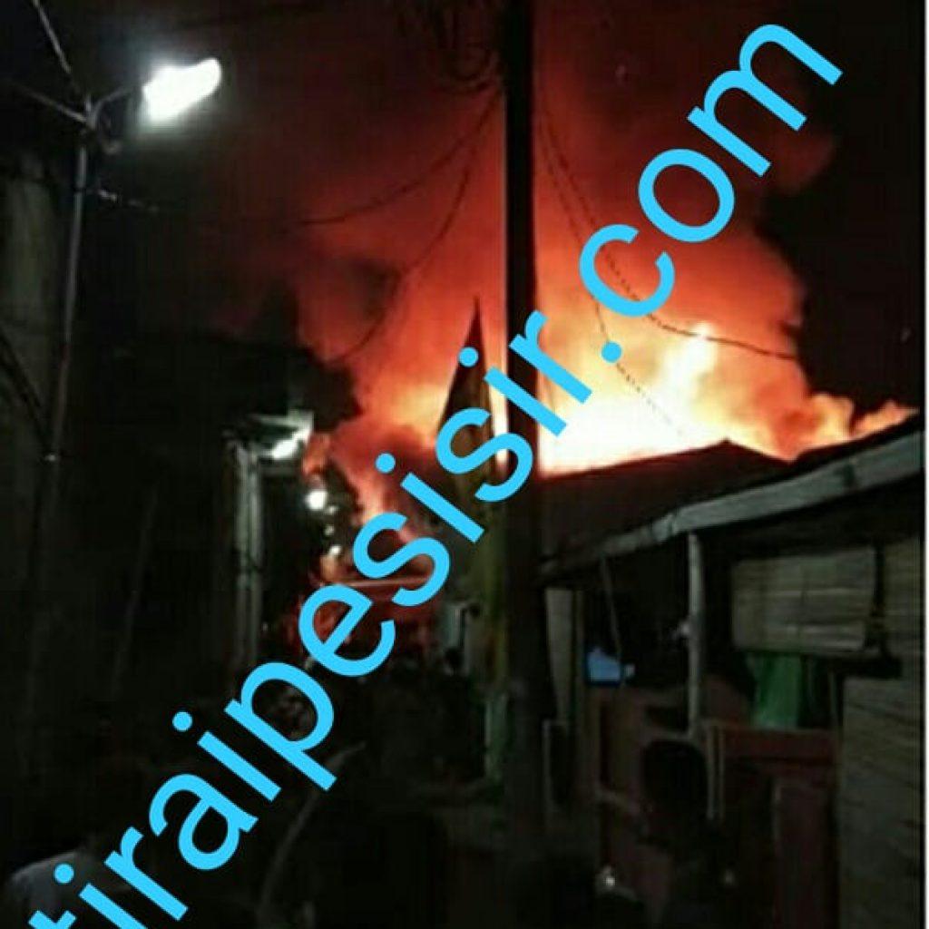 Diduga Akibat Korsleting Listrik,Tiga Rumah Terbakar di Inpres,Larangan Utara, Tangerang