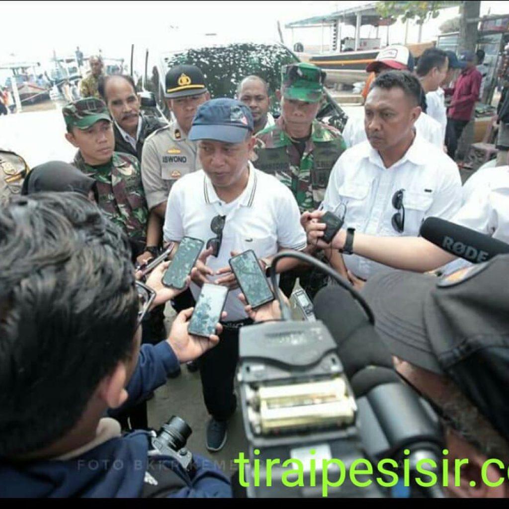 Menristekdikti Lepas Kapal Pelat Datar Cucut Nusantara ke Tual
