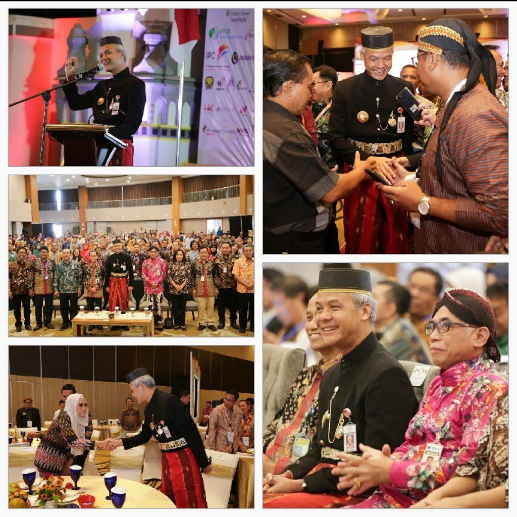Gubernur Jateng Ganjar Pranowo Ngantor Pakai Busana Adat Makassar