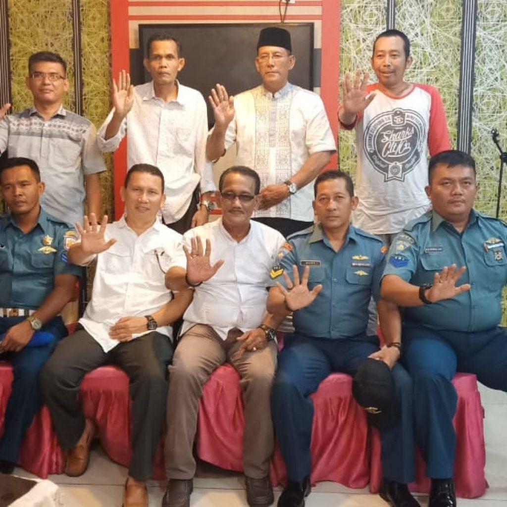 Kapos TNI AL Selatpanjang Coffee Togedher Bersama DPC Lembaga Anti Narkotika Meranti