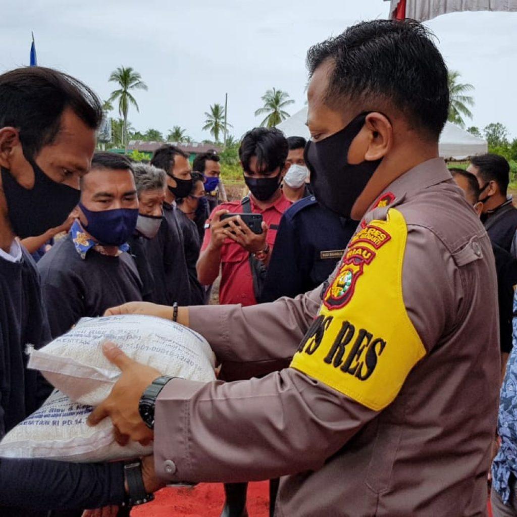 """Gerakan """"Jaga Kampung"""", Kapolres Meranti : Tiga Pilar Merupakan Ujung Tombak Untuk Menumbuhkembangkan Potensi Disektor Pangan"""