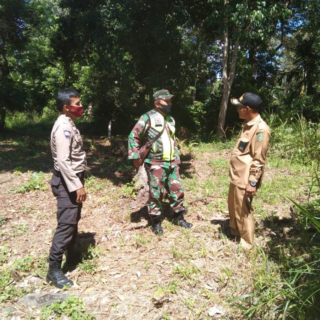 Patroli Karhutla, Babinsa Koramil 02/Tebing Tinggi : Masyarakat Agar Bersama Menjaga Keamanan di Wilayah Desa