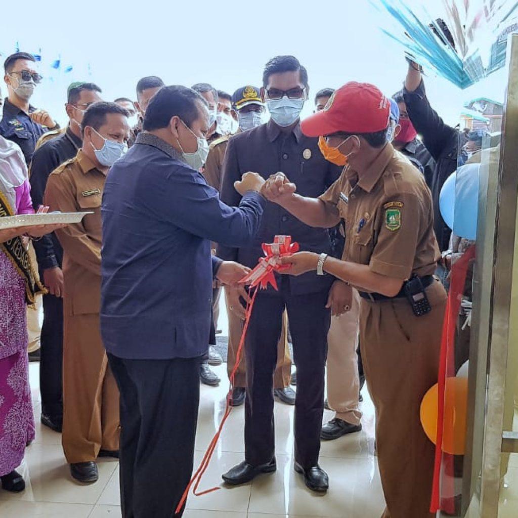 Bupati Irwan Resmikan Puskesmas Kedaburapat Kecamatan Rangsang Pesisir