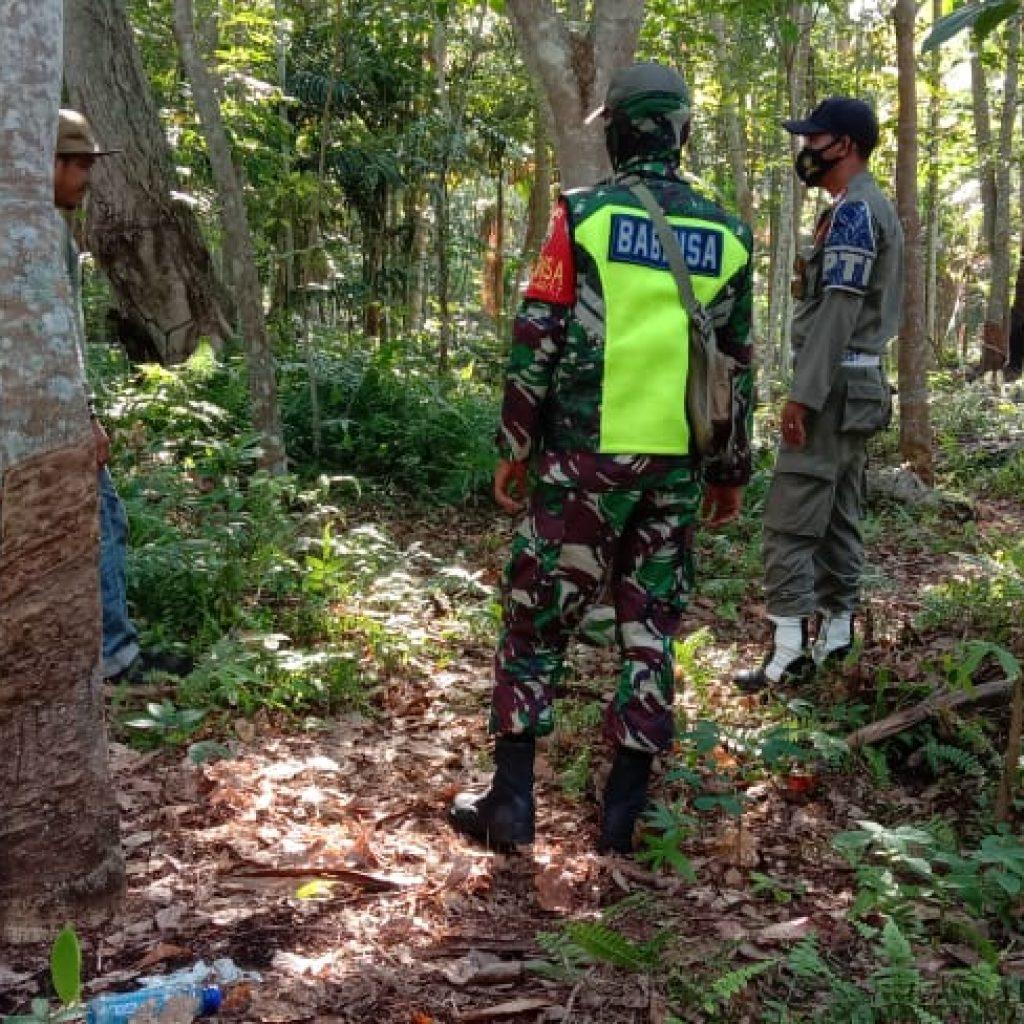 Babinsa Koramil 02 Tebing Tinggi Laksanakan Patroli Karhutla Bersama Satpol-PP dan MPA