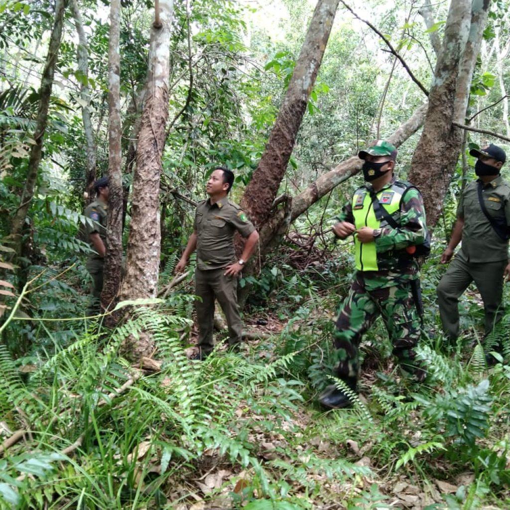 Lagi, Babinsa Koramil 02/Tebing Tinggi Laksanakan Patroli Karlahut di Desa Segomeng