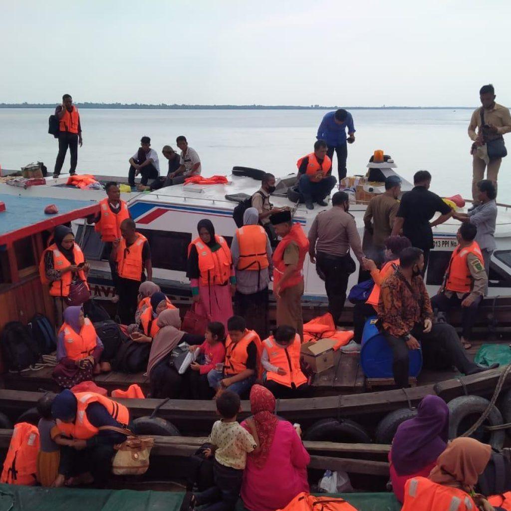 Penumpang Panik, Speedboat Kepau Baru 'nyaris' Karam di Perairan Anak Ayam Kepulauan Meranti