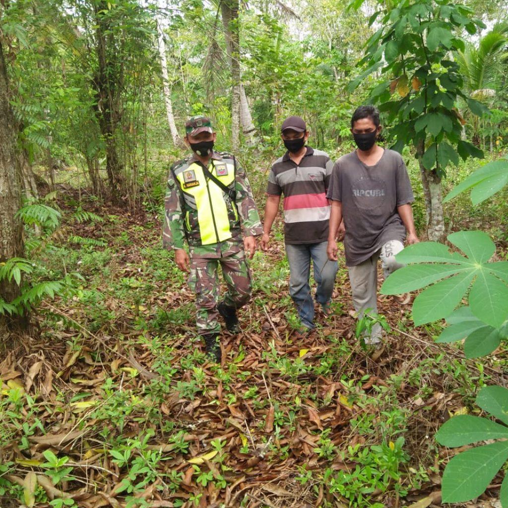 Cegah Kebakaran, Babinsa Laksanakan Patroli Karhutla di Desa Bungur