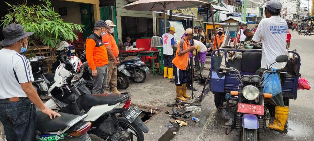 Bupati Meranti Intruksikan Gotong Royong Massal Pembersihan Drainase Tersumbat