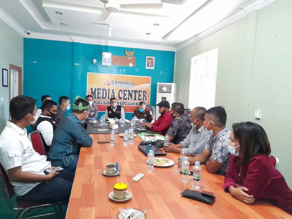 Tim Advokasi Paslon Nomor Urut Satu Silaturahmi Ke Bawaslu Kepulauan Meranti