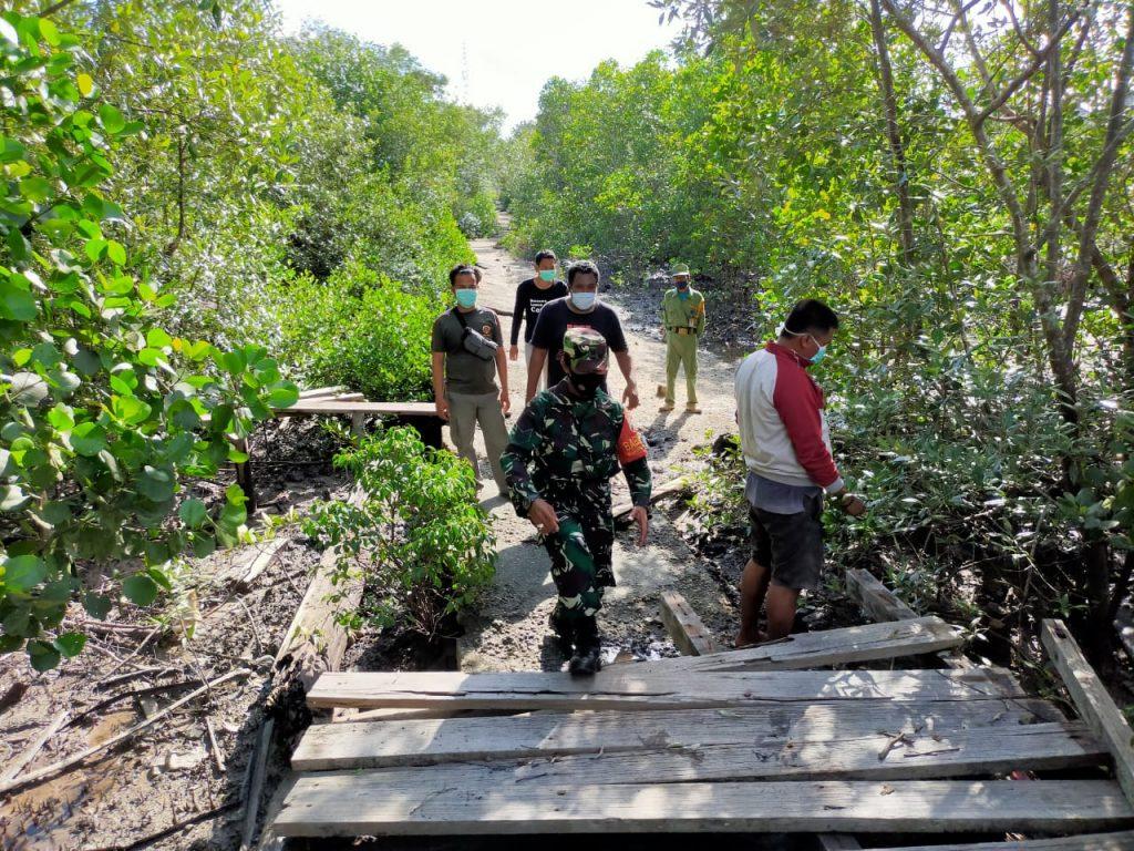 Cegah Karhutla, Babinsa Laksanakan Patroli Rutin di Desa Sungai Tohor