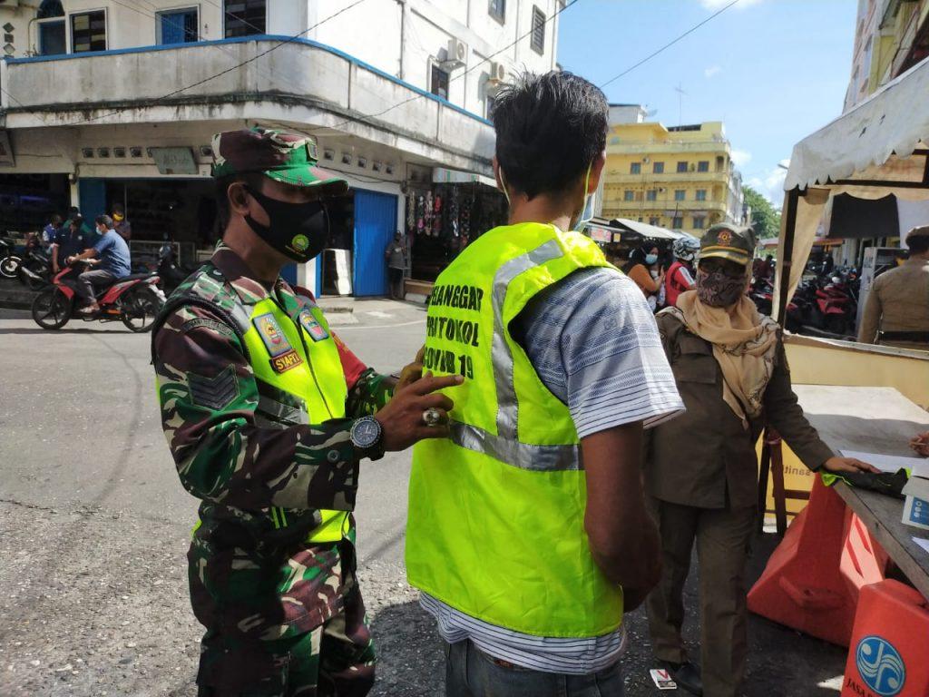 Babinsa Koramil 02/Tebing Tinggi Laksanakan Gabungan Operasi Yustisi