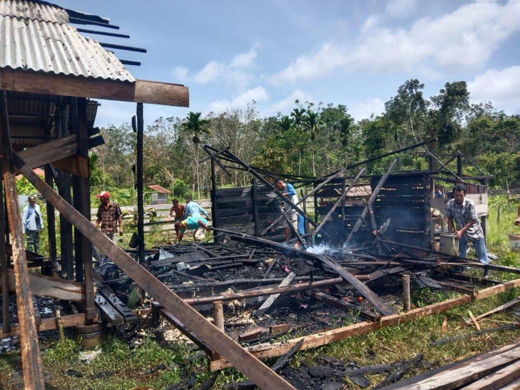 Satu Unit Rumah Milik Warga Sungai Tohor Ludes Terbakar