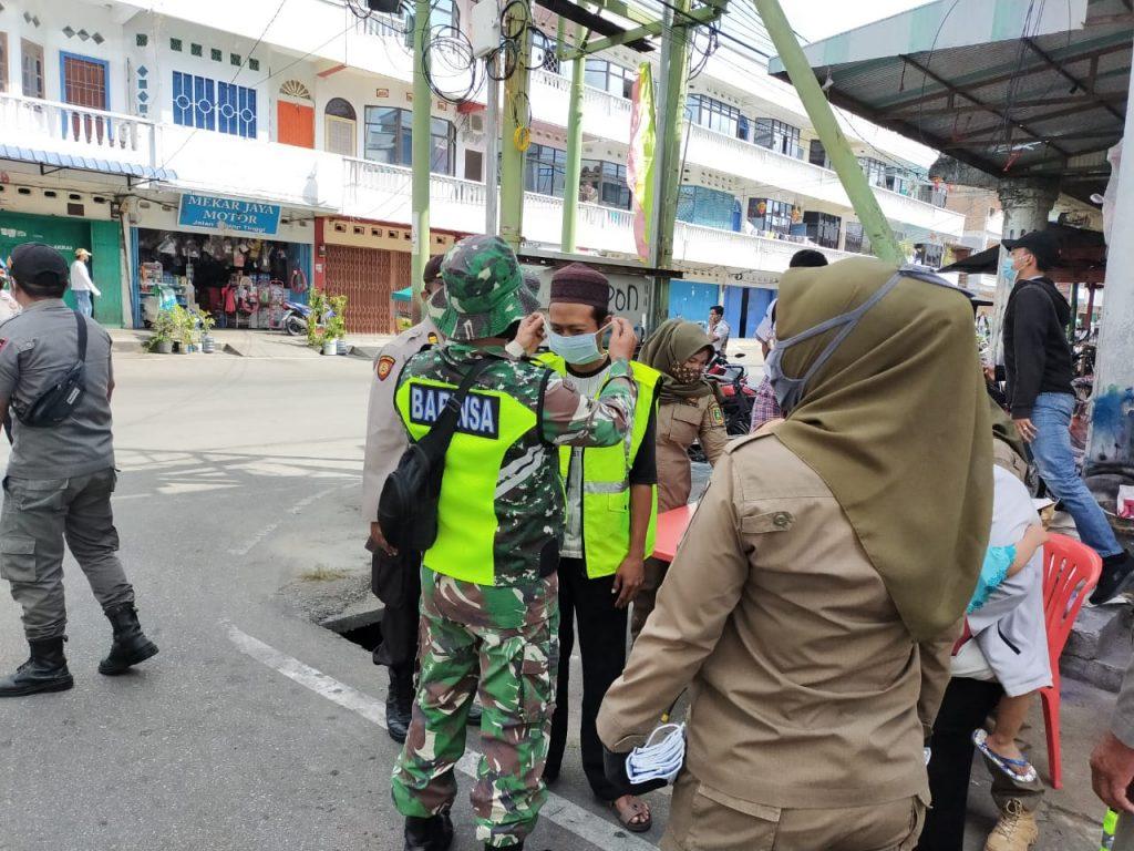 Penyebaran Covid-19 di Meranti, Babinsa Laksanakan Operasi Gabungan
