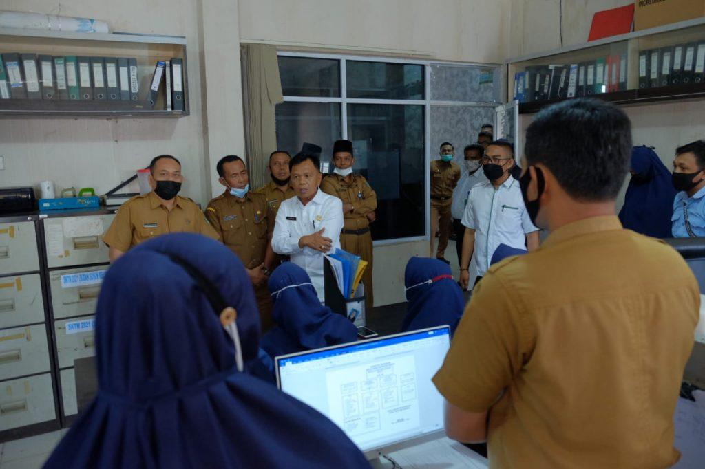 H. Asmar Sidak Kondisi Ruang dan Kinerja Pegawai Dilingkungan Sekretariat