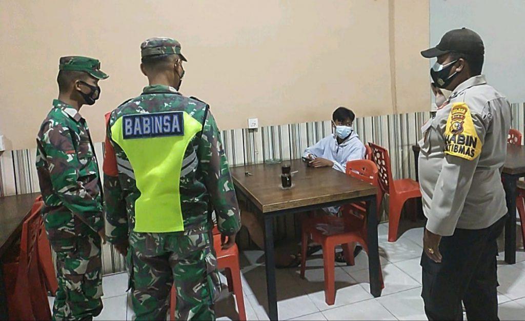 Cegah Penyebaran Covid-19 di Meranti, Babinsa Laksanakan Patroli Gabungan