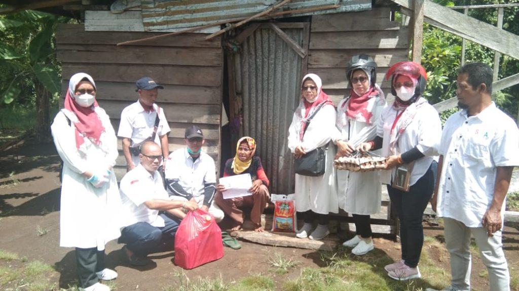 Sahabat H Asmar Serahkan Bantuan Dua Sekaligus di Desa Anak Setatah dan Rangsang Barat