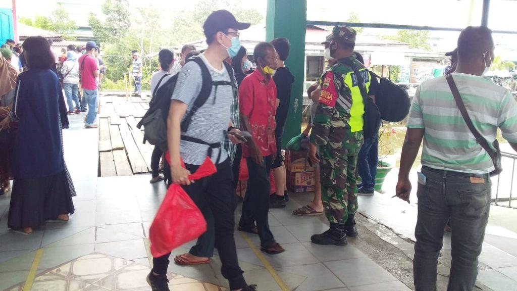 Babinsa Koramil 02 Tebing Tinggi Laksanakan Pendisiplinan di Pelabuhan Tanjung Harapan