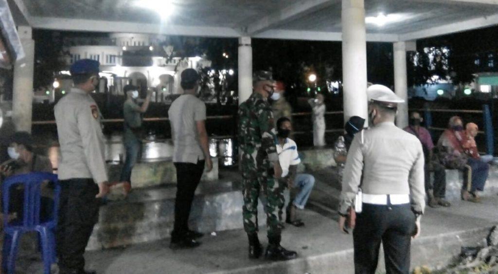 Terjadi Lonjakan Kasus Covid-19 di Kepulauan Meranti, Babinsa Terus Laksanakan Patroli Gabungan