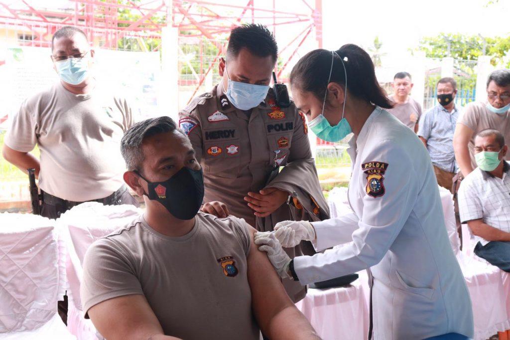 379 Polisi di Kepulauan Meranti Divaksin Covid-19