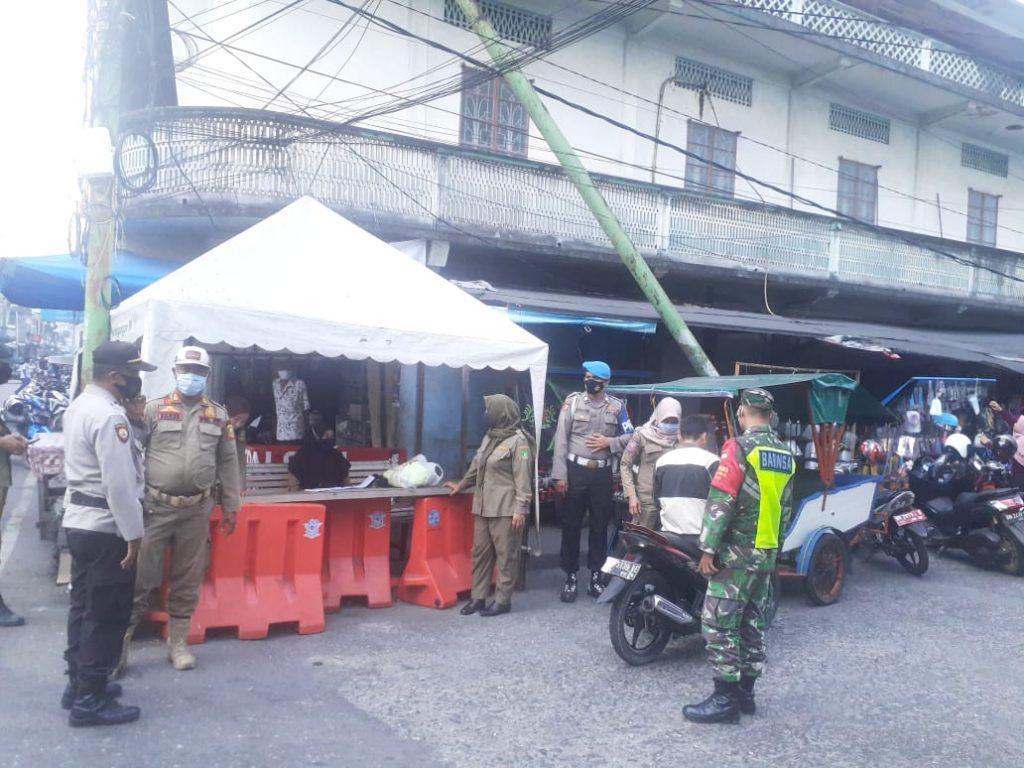 Babinsa Koramil 02/Tebing Tinggi Bersama Satuan Tugas Melaksanakan Operasi Yustisi Gabungan