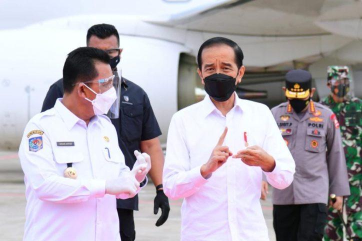 Tiba di Kepri, Presiden Jokowi Tinjau Vaksinasi Massal dan Beri Pengarahan Penanganan Pandemi Covid-19