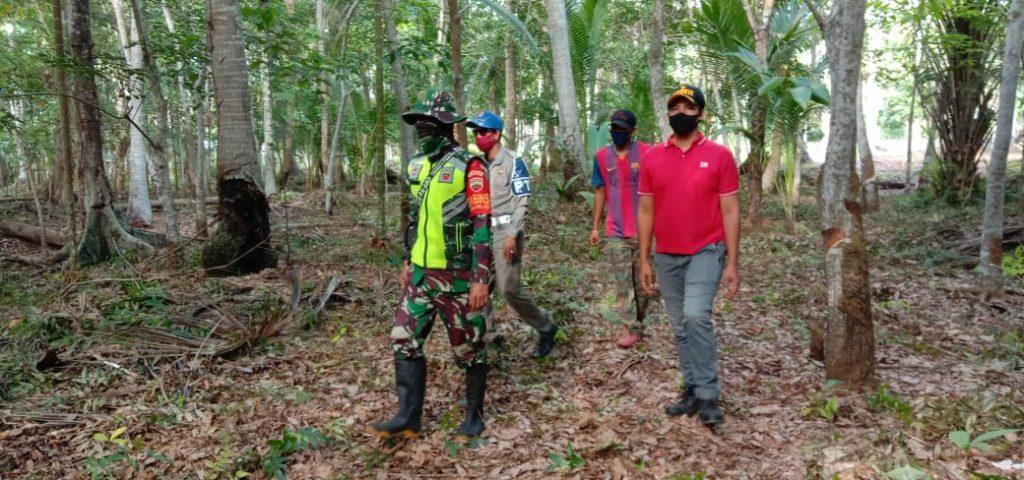 Babinsa Koramil 02/Tebing Tinggi Laksanakan Patroli Karhutla di Desa Citra Damai
