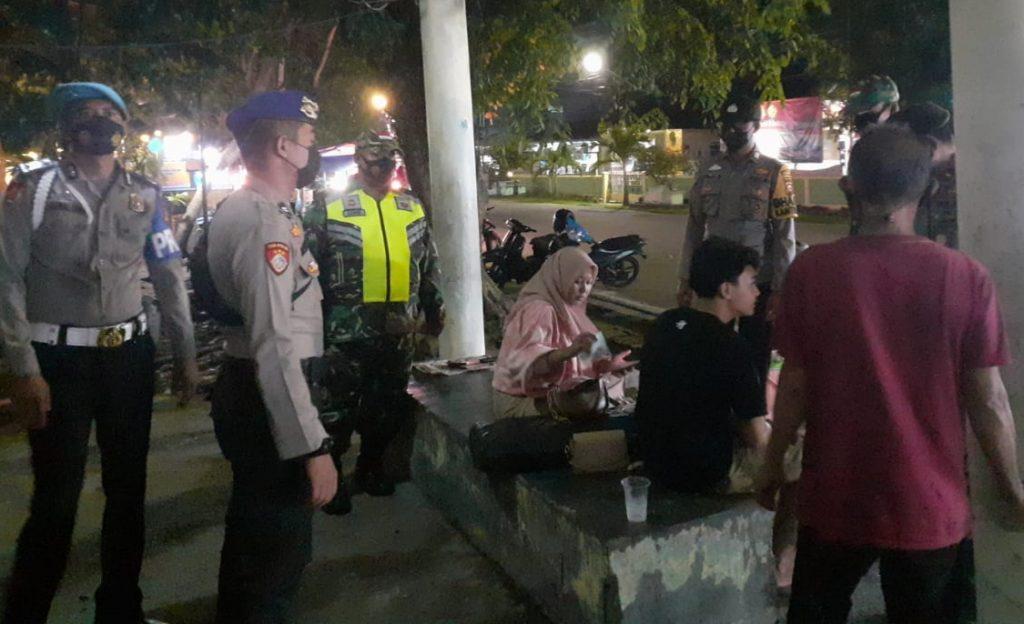 Patroli Gabungan, Babinsa Terus Laksanakan Prokes dan Himbauan