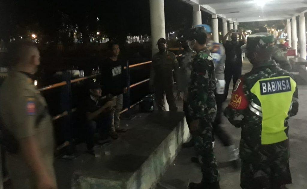 Patroli Gabungan, Babinsa Koramil 02/Tebing Tinggi Lakukan Sosialisasi dan Himbauan
