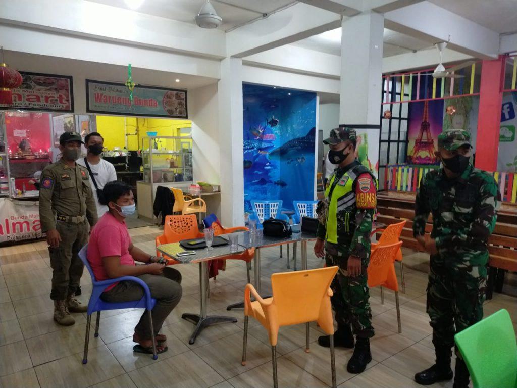 Babinsa Koramil 02/Tebing Tinggi Laksanakan Patroli Gabungan dan Berikan Himbauan