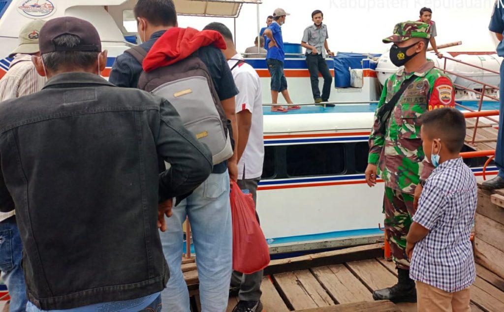 Babinsa Koramil 02/Tebing Tinggi Laksanakan Pendisiplinan di Pelabuhan Tanjung Harapan