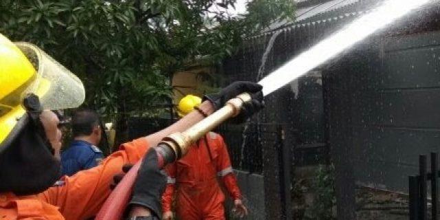 Ditinggal Kerja Rumah Tristanto di Komplek Tiban Indah Dilalap Sijago Merah