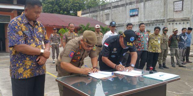Penanggulangan Bahaya Narkoba : Ketua DPC Lembaga Anti Narkotika Meranti Tanda Tangani MoU Bersama Kasat Pol PP