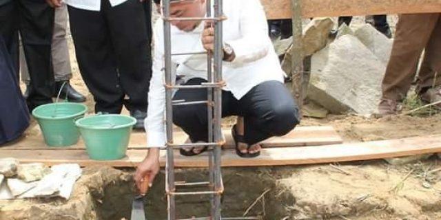 Plt Bupati Labuhanbatu Letakkan Batu Pertama Pembangunan Masjid Al-Fath Kampung Jawa