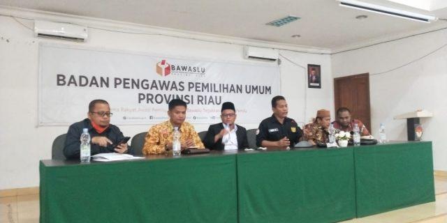 Bahas Strategi Pengawasan Pilkada di Tengah Covid-19, Bawaslu Riau Rakor Dengan Bawaslu Kabupaten/Kota