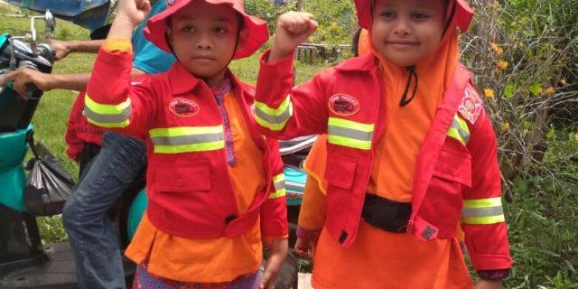 Anak Anak TK Yayasan Permata Selatpanjang Ikuti Pelatihan Memadamkan Api