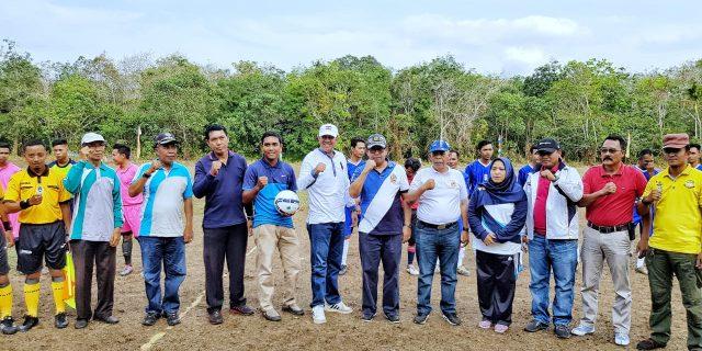 Sekda Meranti,H.Yulian Norwis Buka Turnament Sepak Bola Sungai Cina MudaTahun 2019