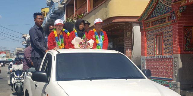 Disambut Wakil Bupati, Atlet SOIna Meranti Diarak Keliling Kota Selatpanjang