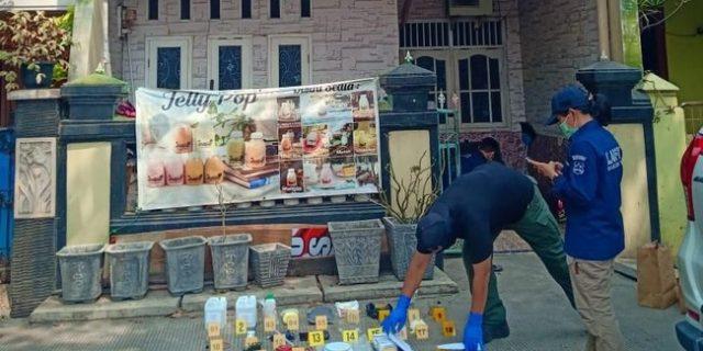 Diduga Teroris, Tim Densus 88 Tangkap Pelaku Dan Bahan Peledak