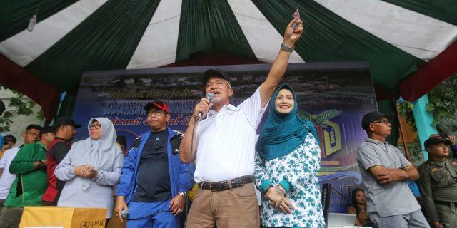 Wabup Meranti Bersama Ribuan Warga Ikuti Gerak Jalan Santai Sempena HUT Meranti Ke-11 Tahun 2019
