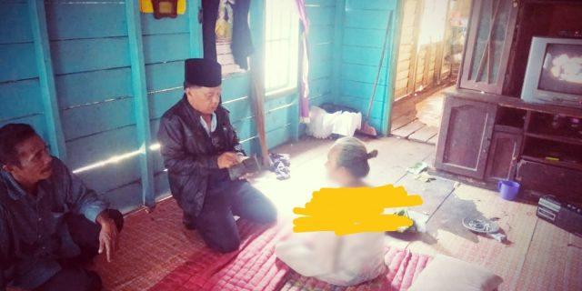 AKBP H Asmar Kunjungi Nenek Nomah Yang Alami Sakit Stroke Selama Empat Tahun