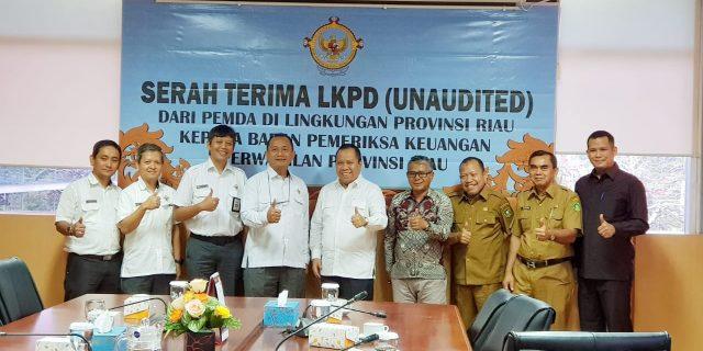 Pemkab Meranti Serahkan Laporan LKPD Tahun 2019