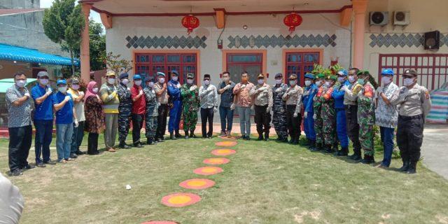 Adanya virus Corona, Keluarga Besar Grub Emperor Brand Bantu Masker Gratis Ke Masyarakat Kelurahan tanjung Ledong