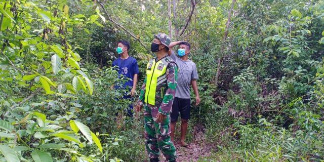 Babinsa 02/Tebingtingg Bersama Masyarakat Patroli Daerah Rawan Karhutla