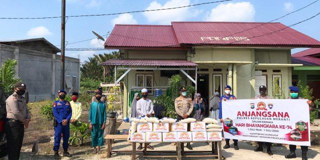 Polres dan Jajaran Polsek Meranti Sambut Hari Bhayangkara ke-74 Dengan Giat Bansos