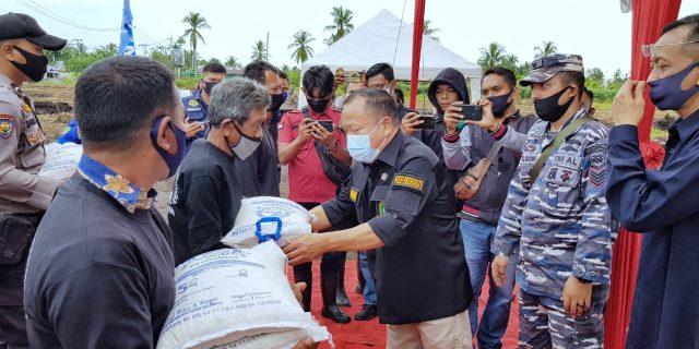 Kapolres Bersama Sekda Meranti Resmikan Kampung Tangguh Nusantara di Desa Gogok Kecamatan Tebing Tinggi Barat