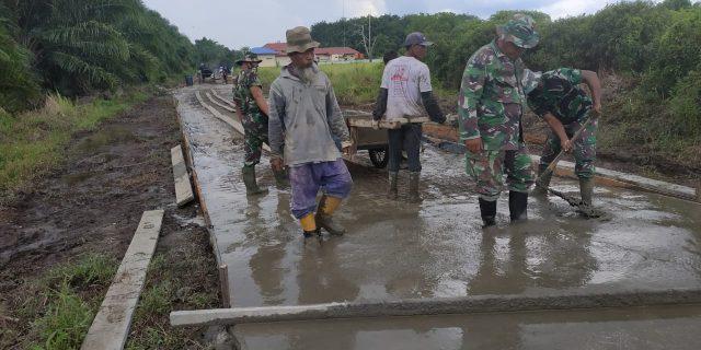 Kekompakan TNI Dengan Masyarakat di Wujudkan Dalam Program TMMD Ke 108 Tahun 2020
