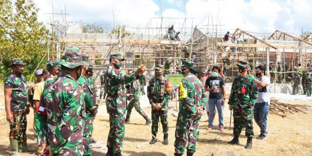Aslog Panglima TNI Tinjau Pelaksanaan TMMD Ke 108 Desa Oebesi Amarasi Timur